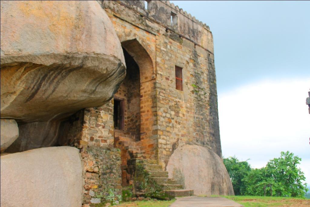 Madan Mahal Fort