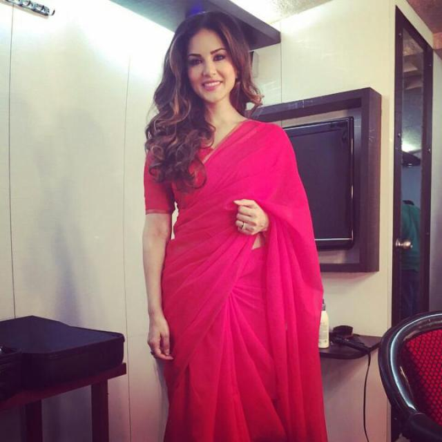 Sunny Leone Desi look