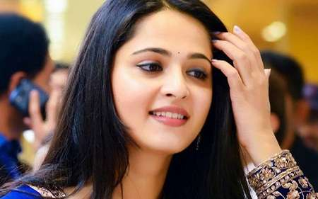 Anushka shetty height
