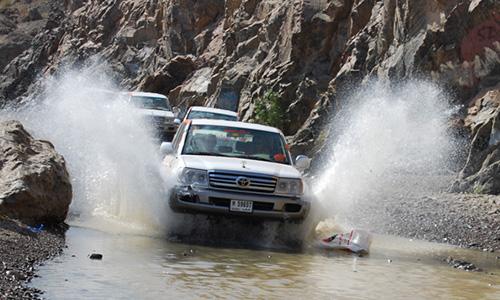 hatta mountain water splash